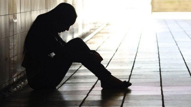 """ශ්රී ලංකාවේ HIV අවදානම යොවුන් තරුණයන් අතරටත්: """"බාල පරපුර කලින්ම ලිංගික ඇසුරට"""""""