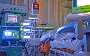 සාමාන්ය රෝගීන් සඳහා වෙන්කර ඇති දැඩි සත්කාර ඒකක(ICU) සහ වාට්ටු, කොරෝනා රෝගීන් ප්රතිකාර කිරීමට යොදවන්න - සෞඛ්ය අමාත්යාංශය