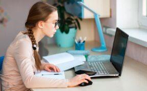 (VEDIO) දරුවන් දිගින් දිගටම Online අධ්යාපනයේ නිතරවීම නිසා අක්ෂි ආබාධ ඇතිවීමේ අවධානමක් - වෛද්ය දීපානී වේවැල්ල
